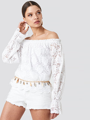 NA-KD Boho Wide Cuff Off Shoulder Lace Top vit