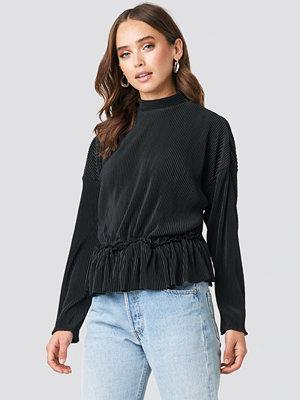NA-KD Trend Pleated High Neck Long Sleeve Top svart