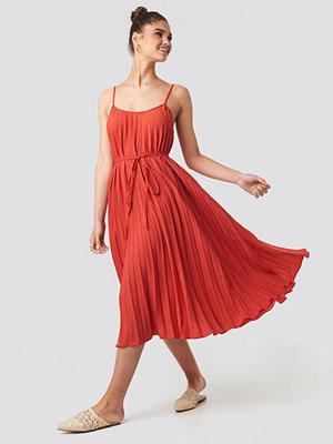 Mango Plisado Dress röd