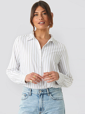 NA-KD Classic Regular Striped Shirt vit
