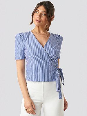 Skjortor - NA-KD Trend Striped Wrap Over Side Top blå