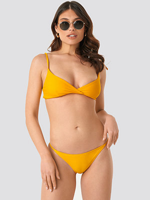 NA-KD Swimwear Thin Strap Bikini Briefs gul