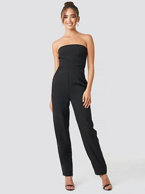 NA-KD Party Bandeau Jumpsuit svart