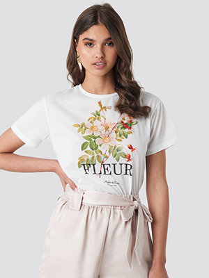 T-shirts - Trendyol Fleur Tee vit