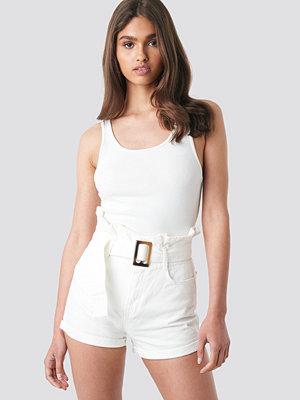 NA-KD Belted Denim Shorts vit