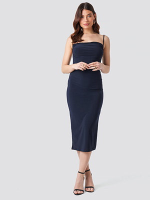Trendyol Milla Thin Strap Midi Dress blå
