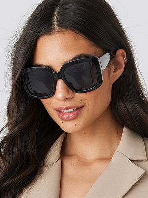 NA-KD Accessories Big Squared Sunglasses svart