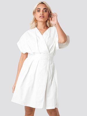 Trendyol Yol Double Breasted Dress vit