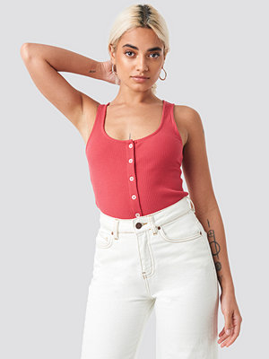 NA-KD Ribbed Cropped Button Top röd