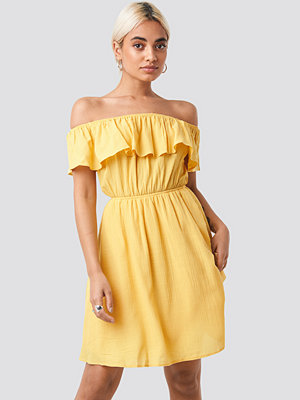 Trendyol Carmen Off Shoulder Dress gul