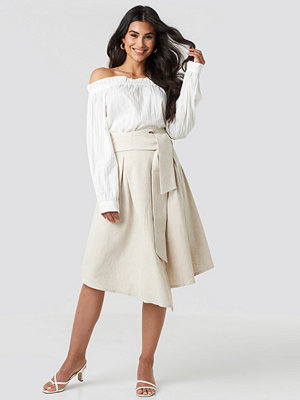 NA-KD Trend Wrap Over Linen Look Skirt beige