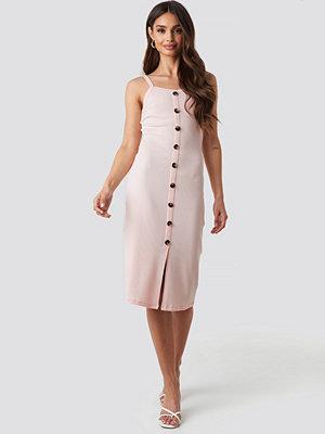 NA-KD Ribbed Button Up Midi Dress rosa
