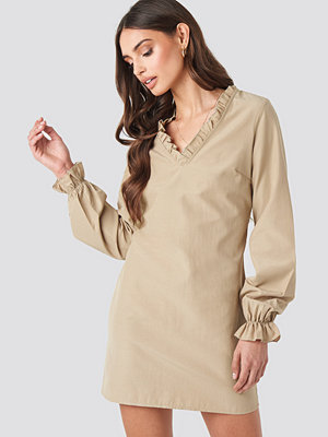 NA-KD Boho Gathered Neckline Oversize Dress beige
