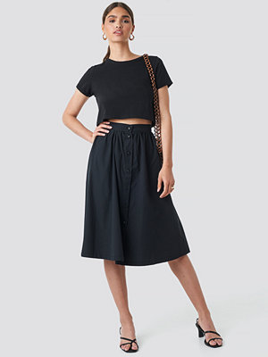 NA-KD Button Up Midi Skirt svart