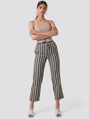 NA-KD Trend randiga byxor Linen Look Striped Pants brun