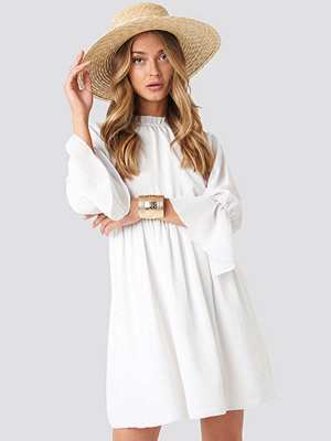 NA-KD Boho High Neck Flare Mini Dress vit