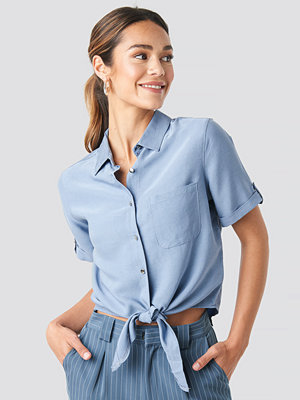 Trendyol Button Detailed Blouse blå
