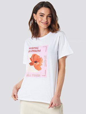 NA-KD Blossom Oversized T-shirt vit