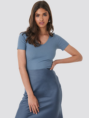 NA-KD Basic Deep V Neck Ribbed Top blå