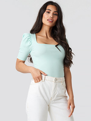NA-KD Trend Ribbed Puff Short Sleeve Top blå turkos