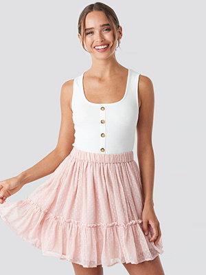 Céline & Talisa x NA-KD Flowy Mini Skirt rosa