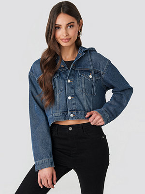NA-KD Hooded Cropped Denim Jacket blå
