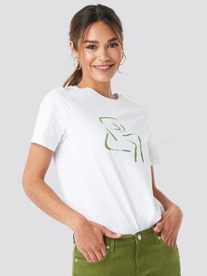 NA-KD Female Form T-shirt vit