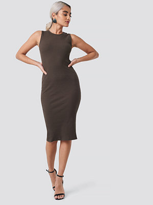 NA-KD Ribbed Jersey Dress brun