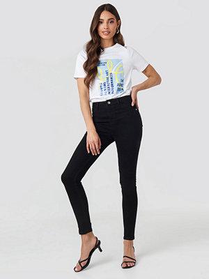 NA-KD High Waist Skinny Jeans svart