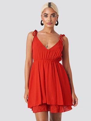 Trendyol Milla Short Dress röd