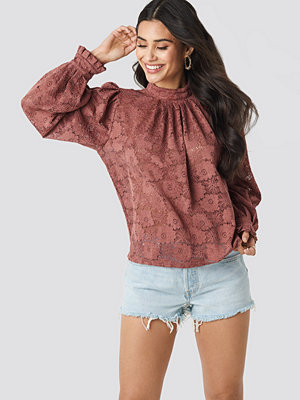 NA-KD Boho High Collar Flower Lace Blouse rosa