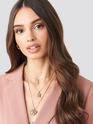 NA-KD Accessories smycke Cross And Coins Layered Necklace guld