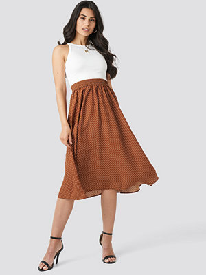NA-KD Dotted Midi Skirt brun