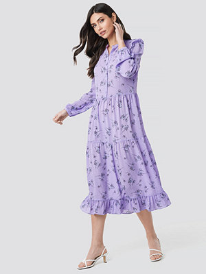 NA-KD Trend Long Sleeve Front Button Ankle Dress lila