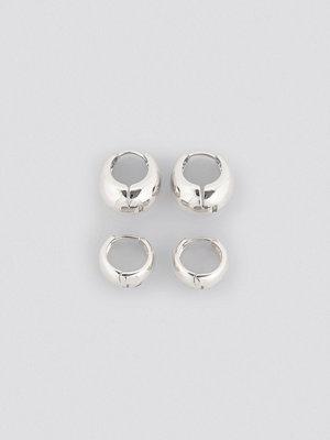 NA-KD Accessories smycke Oval Short Hoop Earrings (Double Pack) silver