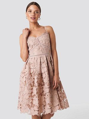 NA-KD Boho Lace Strap Dress rosa