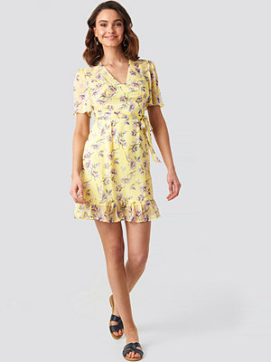 NA-KD Boho Short Sleeve Print Chiffon Dress gul