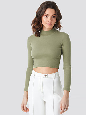 Beyyoglu Half Turtleneck Crop Top grön