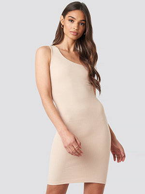 Iva Nikolina x NA-KD One Shoulder Mini dress beige