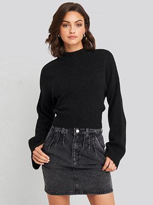 NA-KD Trend Front Pleat Short Denim Skirt svart