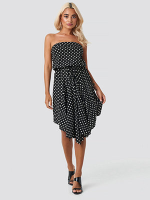 Trendyol Polka Dot Mini Dress svart