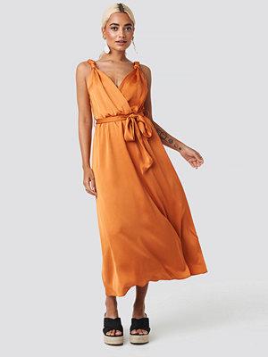 Trendyol Girdle Detailed Midi Dress orange