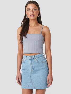 NA-KD Short Raw Hem Denim Skirt blå