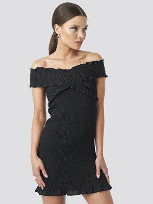 Trendyol Milla Offshoulder Mini Dress svart