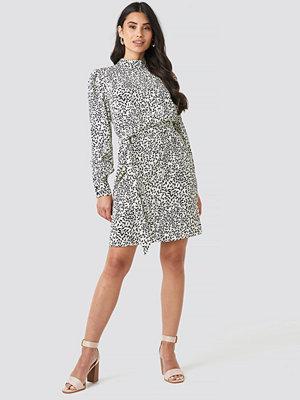 NA-KD High Neck Leaf Print Dress vit