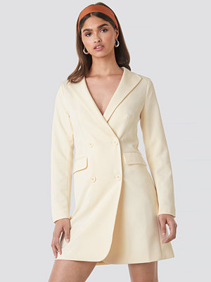 NA-KD Party Collared Blazer Dress vit