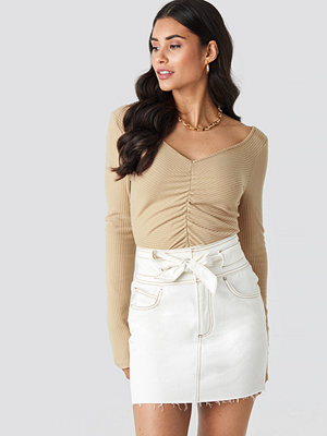 NA-KD Belted Contrast Stitch Denim Mini Skirt vit