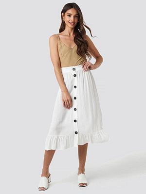 NA-KD Boho Frill Hem Front Button Skirt vit