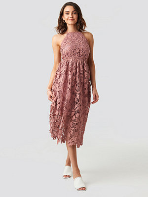 NA-KD Boho Crochet Strap Back Dress rosa