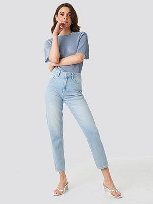 NA-KD Ankle Mom Jeans blå
